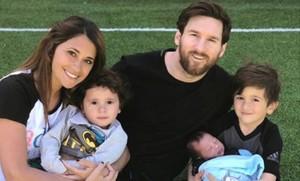 Antonella, Mateo, Leo, Thiago y Ciro. La familia Messi-Rocuzzo, al completo.
