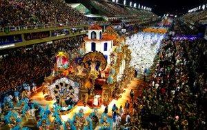El famoso carnaval de Río de Janeiro en Brasil.
