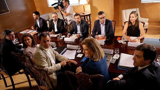 PP i Ciutadans es tornen a reunir per tancar un acord dinvestidura de Mariano Rajoy.