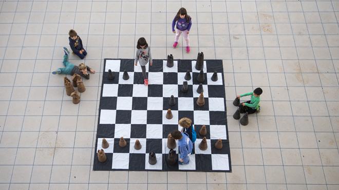 La pràctica dels escacs es consolida a Catalunya en clubs i associacions encara que segueix invisible per al gran públic