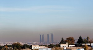 Vista de la capa de contaminacion que cubre la ciudad de Madrid.