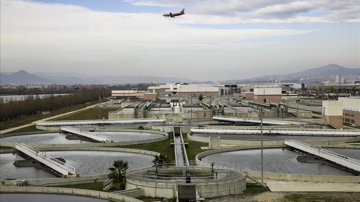 Vista de la EDAR (estación depuradora de aguas residuales) del Llobregat, en el municipio de El Prat. Incluye un tratamiento terciario o de ultradepuración.