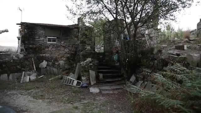Un hombre de 52 años, Miguel Gil, ha sido detenido este viernes acusado de matar a su hermana Genoveva y a la hija de ésta, su sobrina, con una pistola, un doble crimen registrado a las tres y media de la tarde en la finca del domicilio familiar en Soutomaior (Pontevedra).