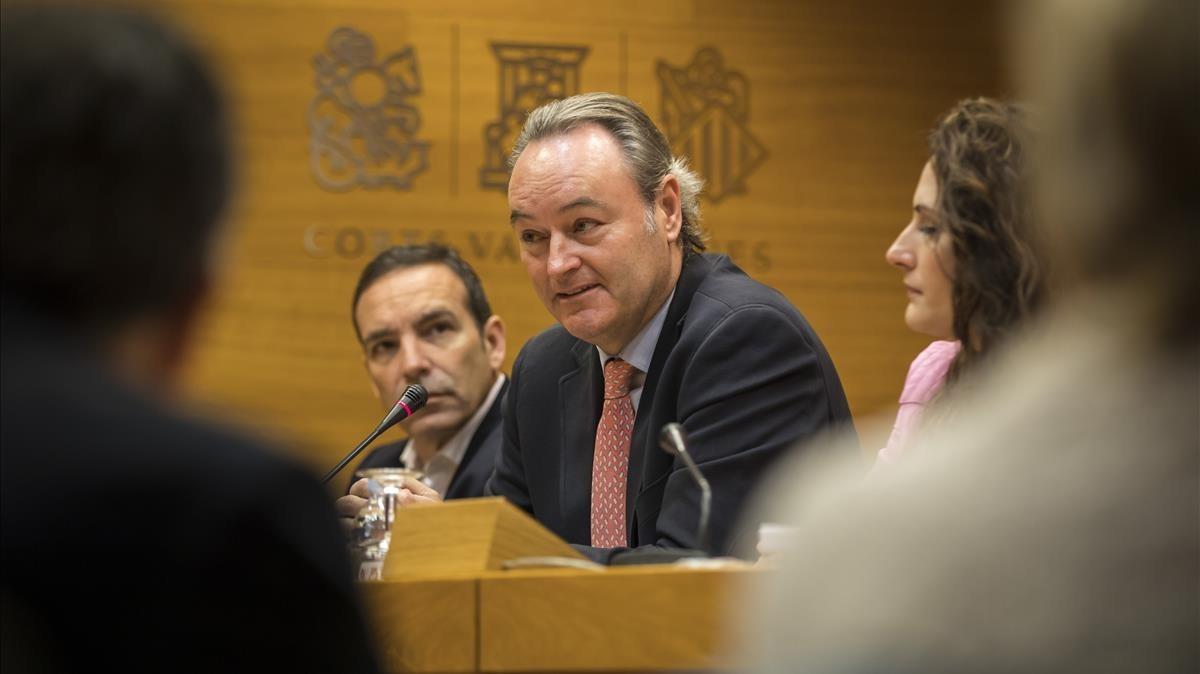 El expresidente valenciano Alberto Fabra, en la comisión de investigación en las Corts sobre las actividades de la empresa pública dedicada a la construcción de colegios CIEGSA.