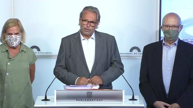 Los expresidentes del Parlament Joan Rigol, Ernest Benach y Núria de Gispert han presentado al Gobierno de Pedro Sánchez una solicitud de indulto para la también expresidenta de la cámara catalana Carme Forcadell, en prisión por su implicación en el procés.