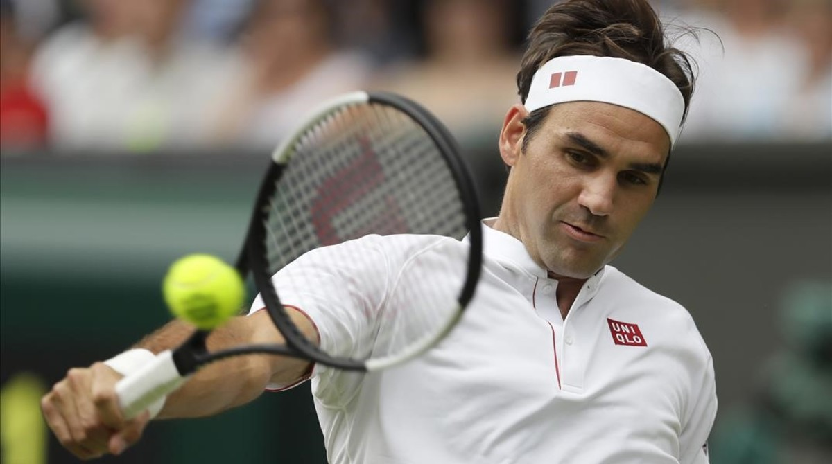 Federer devuelve un revés, ayer en su partido ante Lacko.