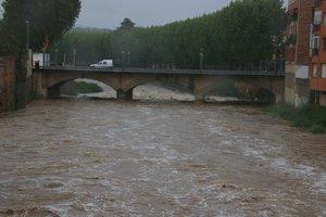 Alerta per la crescuda del Daró i diverses carreteres tallades per les pluges a Catalunya