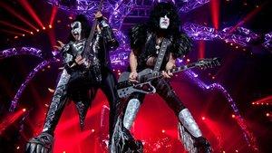 Gene Simmons y Paul Stanley, en un concierto de Kiss en Calgary (Canadá).