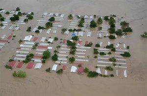 Calles de San Pedro Sula, en Honduras, totalmente inundadas por el paso del huracán Iota.