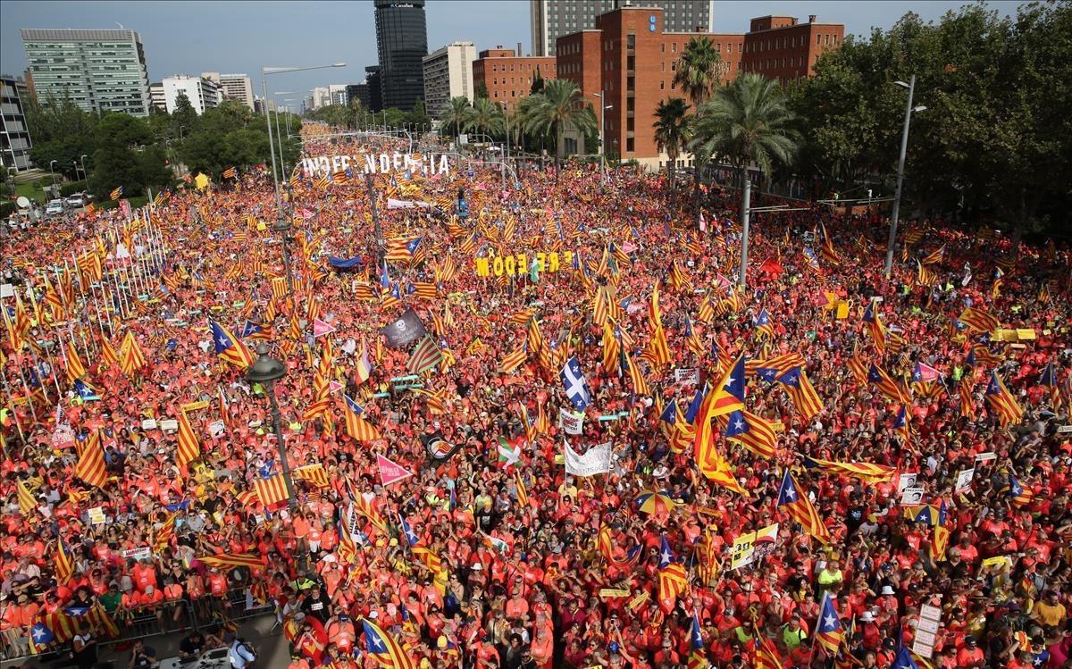 Imagen de la manifestación de la Diada en la Diagonal.