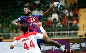 El lateral azulgrana Dika Mem en acción en el Mundial de clubs