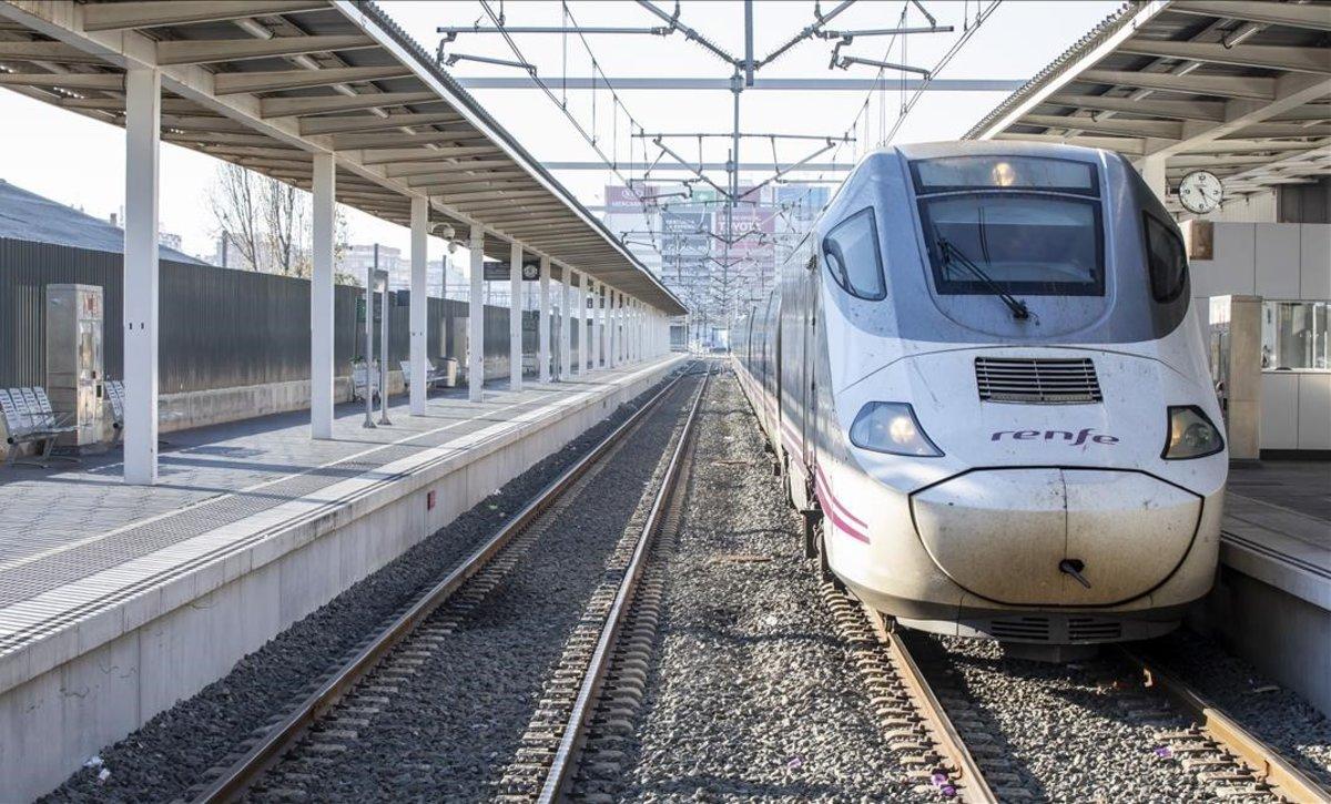 Llegada a Valencia del primer Euromed procedente de Barcelona después de entrar en servicio la nueva variante de Vandellòs.