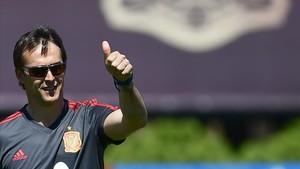 Lopetegui, en el entrenamiento de la selección española en Krasnodar.