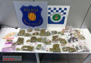 Los agentes comisionaron diversos tipos de sustancias estupefacientes durante la operación en LHospitalet