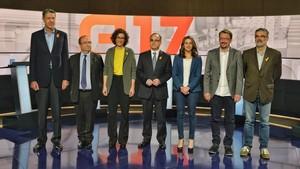 De izquierda a derecha, los candidatos Xavier García Albiol (PPC), Miquel Iceta (PSC), Marta Rovira (ERC), Jordi Turull (JxCat), Inés Arrimadas (Cs), Xavier Domènech (CeC-Podem) y Carles Riera (CUP), en el debate electoral de TV-3.