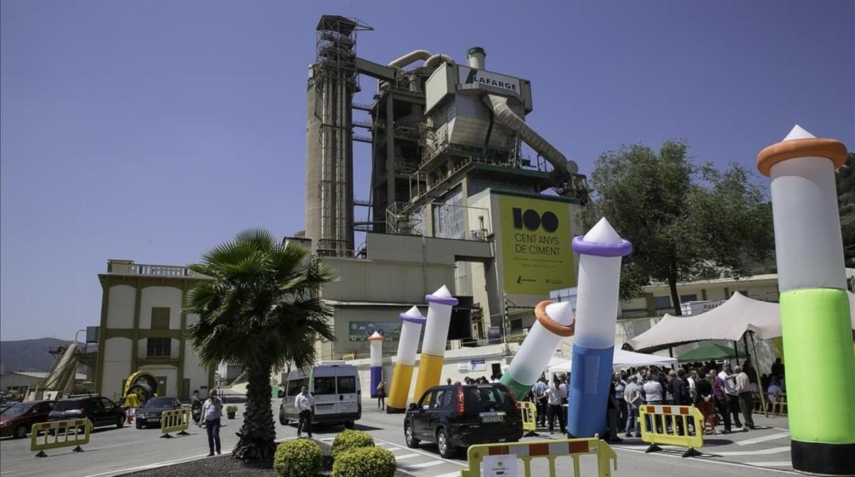 Celebración del centenario en la factoría de Lafarge en Montcada.