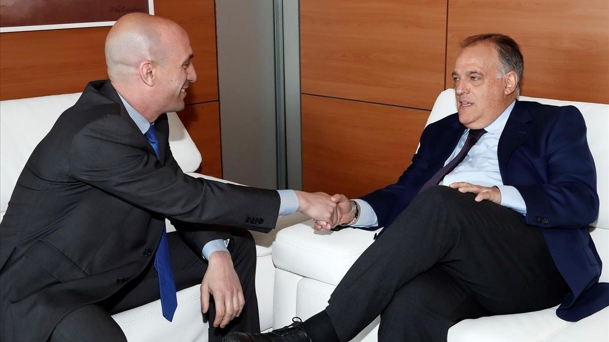 Luis Rubiales y Javier Tebas, en una reunión en el 2018.