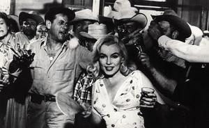 Marilyn Monroe, durante el rodaje de Vidas rebeldes.