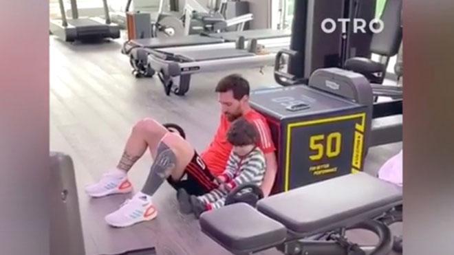 El 'teletreball' de Messi al gimnàs amb el seu fill