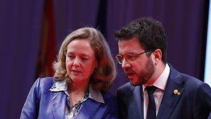 La ministra de Economía Nadia Calviño y el vicepresidente del Govern de Catalunya, Pere Aragonés, el pasado 18 de noviembre.