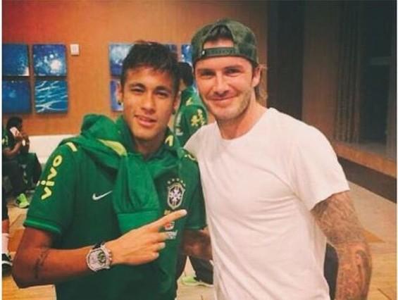 Neymar Júnior felicita Beckham amb una foto a Instagram.
