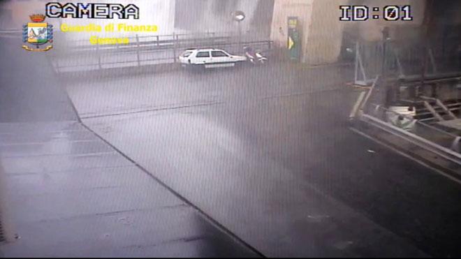 El vídeo del moment exacte de l'ensorrament del pont de Gènova
