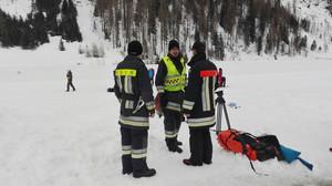 Participantes en las labores de rescate de los alpinistas en el valle de Aurina.