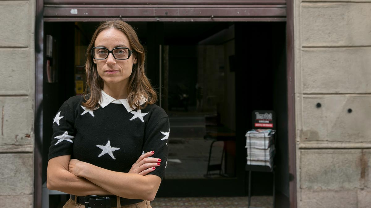 Patricia Mendoza, directora de la Sala Atrium, grabó con su móvil lo que ocurría en la calle mientras tenía lugar el estreno de 'Quincas la mort i la mort', el pasado día 16.