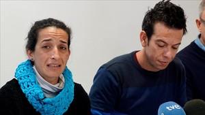 Patricia Ramírez y Ángel Cruz, padres de Gabriel, el pequeño desaparecido en Níjar, comparecenante la prensa este sábado.
