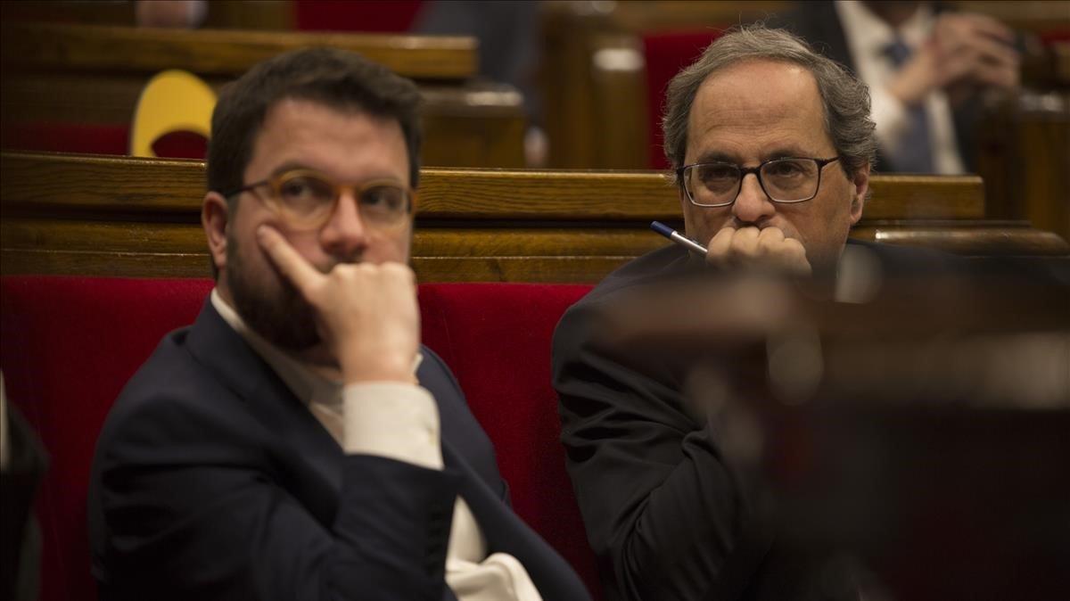 El president Quim Torra y el vicepresidente Pere Aragonès, en el Parlament
