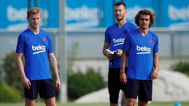Primer entrenamiento del Barça con Griezmann, De Jong y Neto como caras nuevas.