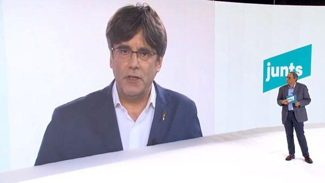 Puigdemont sitúa a JxCat en el eje central y no sectario del independentismo.