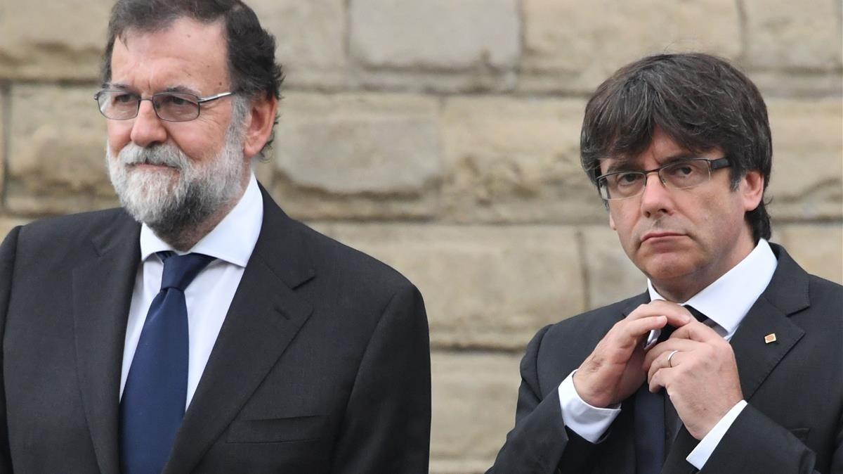 Rajoy y Puigdemont, enel homenaje a las víctimas de los atentados terroristas deBarcelona y Cambrils.