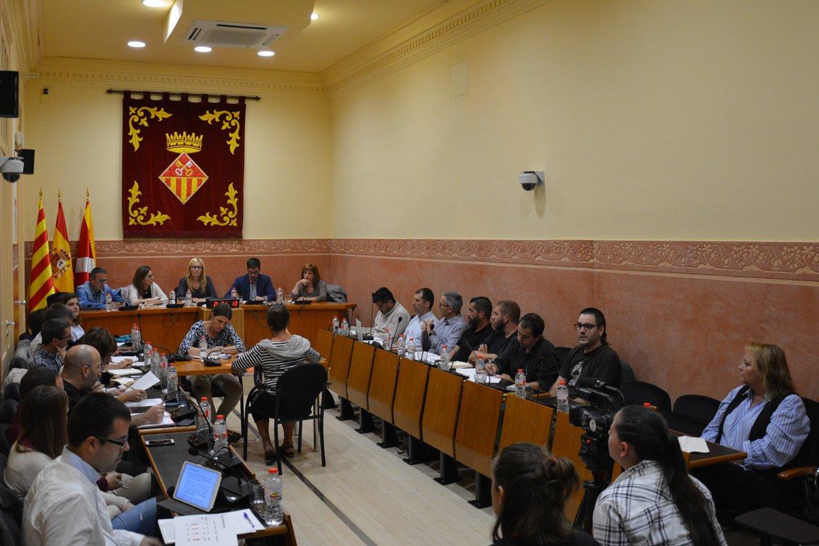 Sesión extraordinaria celebrada el pasado jueves en la sala de plenos del Ayuntamiento de Rubí