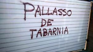 Pintada contra Tomás Guasch, 'ministre d'Esports' de Tabàrnia