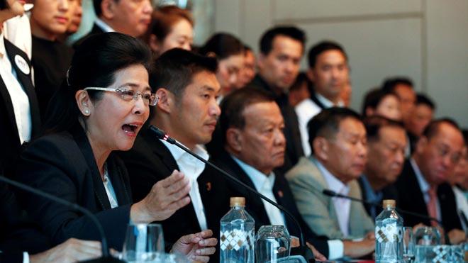 Els partits prodemocràtics s'uneixen per impedir el Govern militar a Tailàndia