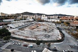 Una imagen de este lunes de las obras de derribo del Mini estadi