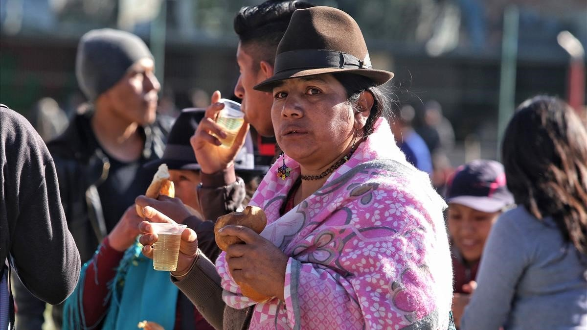 Una mujer indígena, este miércoles, durante la marcha contra las medidas del Gobierno de Lenín Moreno.