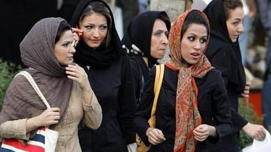 España pedirá información a Irán de las 29 mujeres detenidas por quitarse el hijab