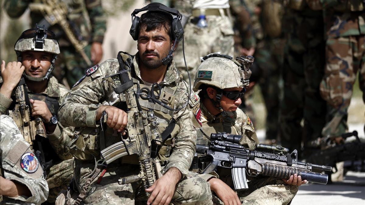 Desenes de morts en un assalt talibà a l'Exèrcit afganès
