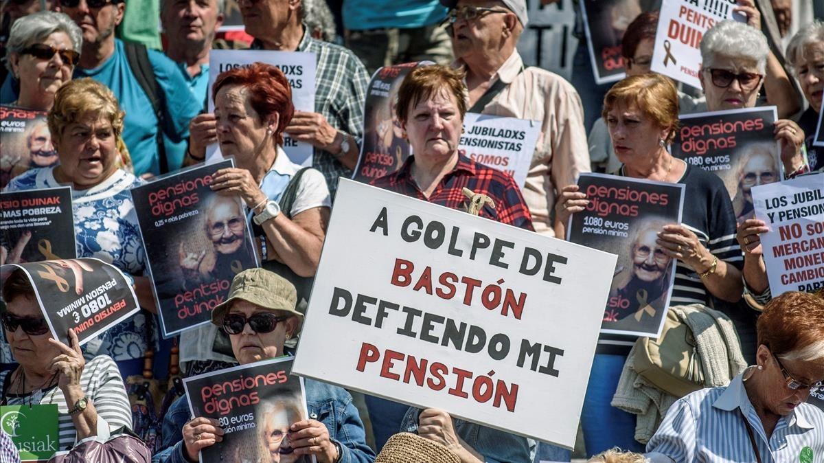 Una fotografía de archivo de una concentración de pensionistas en mayo del 2018.