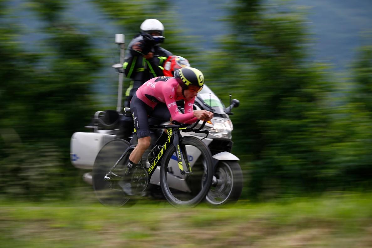 Simon Yates, durante la contrarreloj del Giro.