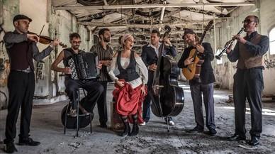 Barcelona Gipsy Balkan Orchestra, de ida y vuelta