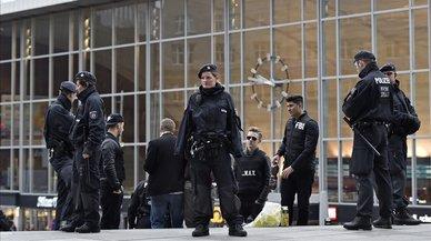 La policía detiene al hombre que secuestró a una mujer en la estación de trenes de Colonia