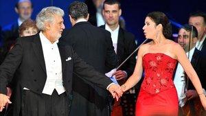 Plácido Domingo y la soprano Ana María Martínez, en una actuación en Szeged, Hungría, el pasado 28 de agosto.