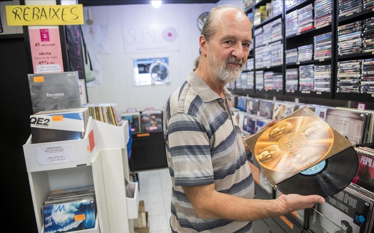 Carlos García: «M'entristeix quan tanca una botiga de discos, però alhora sento orgull de seguir aquí»