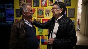Nazario, izquierda, y América Sánchez, en la exposición 'Clásico, moderno, jazz y tropical'del palau Robert.