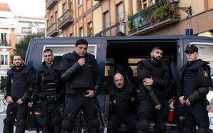 Los protagonistas de 'Antidisturbios'.