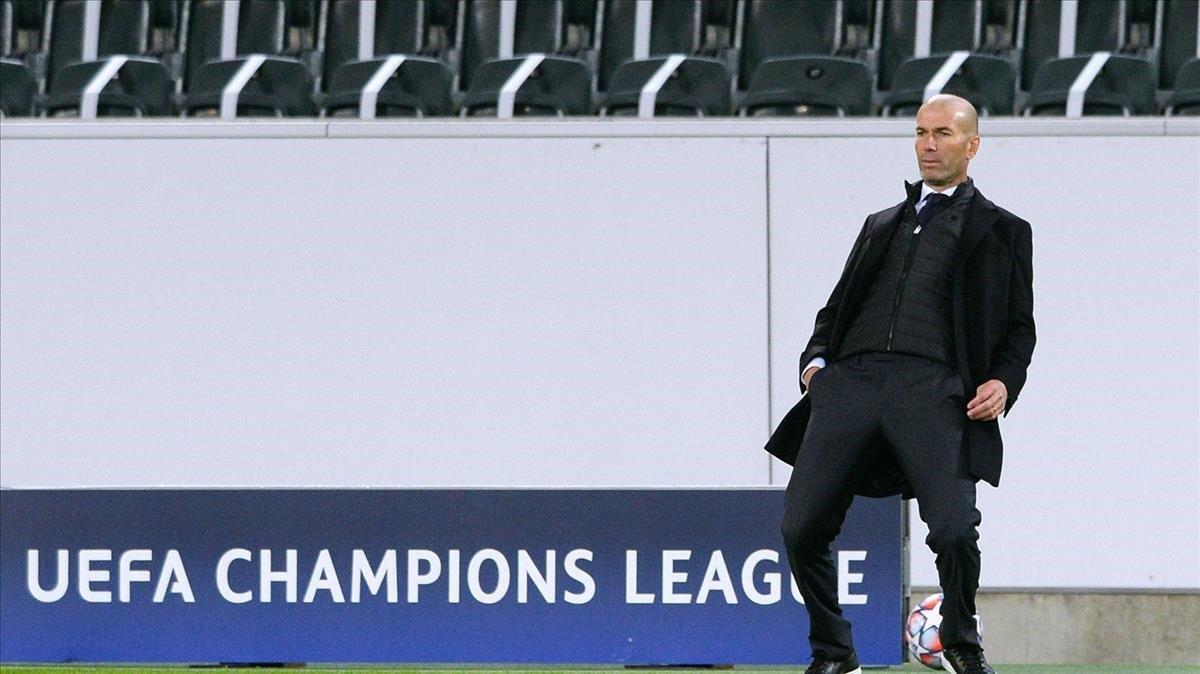 Zidane durante el encuentro ante el Borussia Mönchengladbach