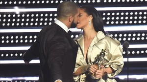 jgblanco35317416 new york ny august 28 drake presents rihanna with the th160902124614